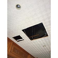 天井埋込エアコンの施工中